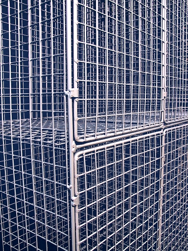 Aiano Wire Mesh Locker door detail