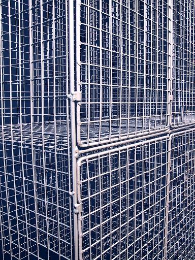 Aiano Wire Mesh Locker door detail