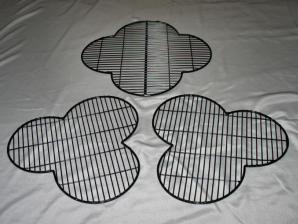Welded mesh trefoil and quatrefoil tracery guards